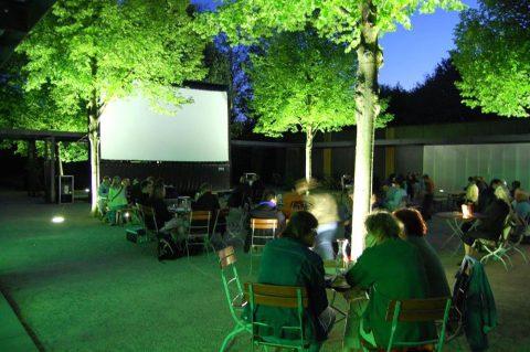 Vier Linden Open Air Kino Außen